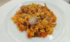 Paella with snails